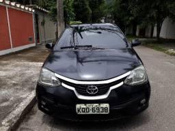 Etios Sedan 2013 XS + GNV 16 metros - Toyota Etios