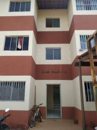 Vendo apartamento em condomínio no Planalto 13 de Maio