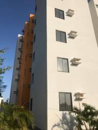 Alugo apartamento 2 quartos uma suíte, piscina, elevador, tratar direto com a proprietária