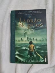 Livro: Percy Jackson e o ladrão de raios