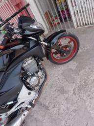 Vendo está moto cb 300