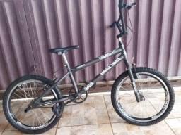 Título do anúncio: Vende-se uma Bicicleta Por 350