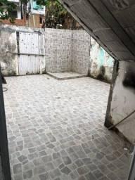 Alugo AExcelente Casa 2 quartos, Ótima localização, Beira Rio , prox Dorival Caymmi.