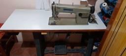 Vende-se máquina de costura