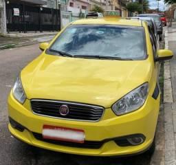 Taxi Fiat Grand Siena com autonomia