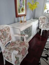 Móvel (sala jantar)com cadeiras