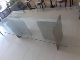 Só a mesa de vidro