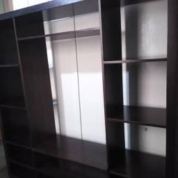 Vendo Estante de TV Madeira Maciça Block Tok Stok com Rodinhas. Apenas 500,00