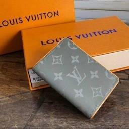 Título do anúncio: Carteira Louis Vuitton italiana