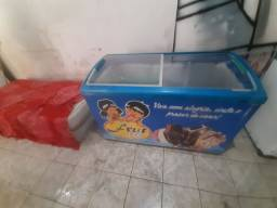 Vendo esse freezer expositor De sorvete gelando normal vlts 110