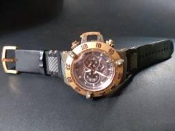 Título do anúncio: Relógio invicta, para aproveitar peças.  Pulseira nova!