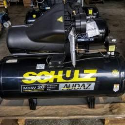Compressor De Ar Schulz Audaz MCSV 20 Pés 200 Litros 5CV - Trifásico 220/380V