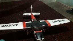 Aeromodelo cessna 182 tipo escala