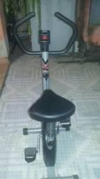Vendo ou troco bicicleta ergométrica.