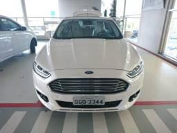 Ford Fusion Hybrid - 2016