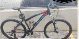 Bicicleta B?Twin Mountain Bike