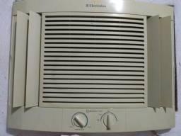 Vendo ar condicionado de janela 7500 btus Electrolux