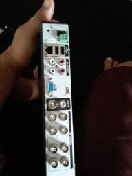 Vendo 2 DVR os dois de 8 canais