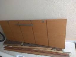 Porta de madeira com batentes, promoção limpa garagem, não entrego!!