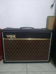 Caixa Amplificada Vox AC15 C1 - valvulada