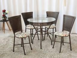 Mesa Bari com 4 Cadeiras (RUF)