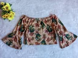 Blusa ciganinha floral, tamanho p, nunca usada