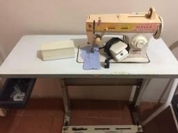 Máquina de costua