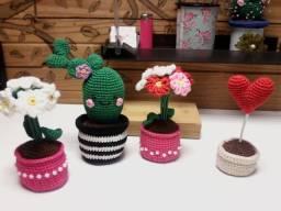 Vasos decorativos de crochê