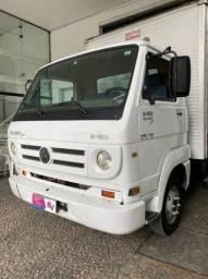 Caminhão 3/4 8-150 Baú