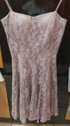 Vestidos usados bem conservados