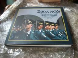 Título do anúncio: Livro 200 anos Policia militar do Rio de Janeiro