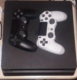 Vendo PS4 - 7 meses de uso