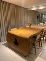 Mesa de madeira maciça formato tronco inteiriço