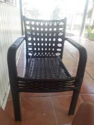 Par cadeira em ferro e vime.