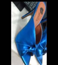 Sandália azul metálica n37/ PASSO CARTÃO ?