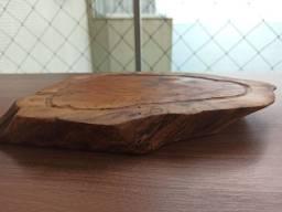 Tábua de cortes artesanal em madeira rústica