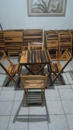 Conjunto de mesas dobráveis