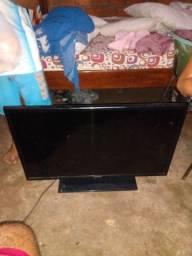 Vende se tv quebrada