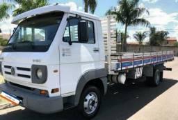 Caminhão com entrada negociável - 2011