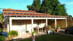 Casa no Cinturão Verde Com duas suítes, sala, banheiro social, cozinha ampla