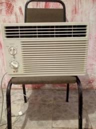 Ar-condicionado lg 8000 BTUs gelando muito