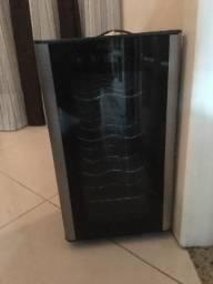Adega Electrolux 8 compartimentos - entrego