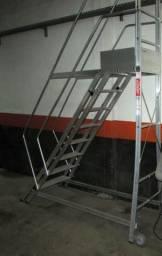 Escada de Alumínio Alulev 7 Degraus + Patamar - 2 Corrimãos - seminova 2.500,00