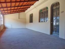 Casa para alugar com 3 dormitórios em Nova holanda, Divinopolis cod:3541