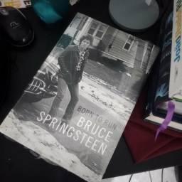 Livro Born to run - Bruce Springsteen (ainda lacrado)
