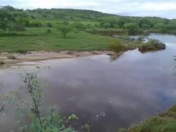 Granja com 21 há na Br 304 a 25 km de macaíba, poço, açude, rio potengi por dentro, areal