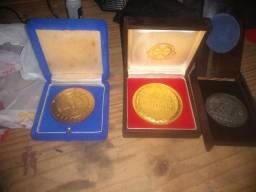 Medalhas usadas já com gravação