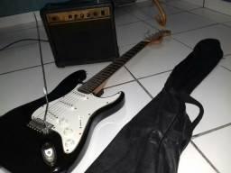 Guitarra capa e cubo