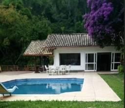 Casa em Petrópolis, para encontros de famílias, amigos, cursos, igrejas e muito mais