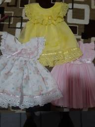 3 vestidos para bebê de 6-8 meses